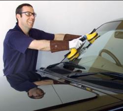 Как следует менять автомобильные стекла