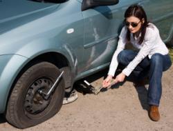 Замена автомобильного колеса